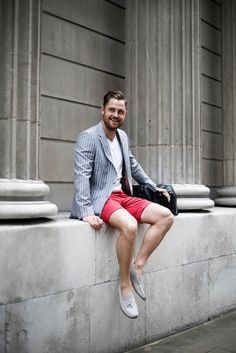 Great tailored look for men visiting London in the summertime. New & Lingwood Blazer, Howick Red Shorts and Black Leather Holdall. All by House of Fraser.