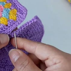 Baby Booties Knitting Pattern, Knitting Patterns, Knitted Hats, Crochet Hats, Arts And Crafts, Instagram, Beanie, Booty, Photo And Video