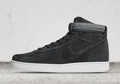 John Elliott previewed a brand new NikeLab Vandal High collaboration today during his Fall
