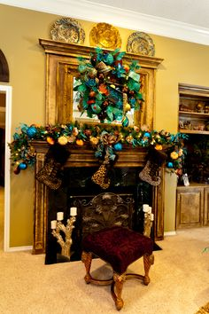 Peacock Christmas decor will go perfect with my peacock tree All Things Christmas, Christmas Themes, Christmas Holidays, Christmas Wreaths, Christmas Decorations, Teal Christmas, Holiday Ideas, Holiday Decorating, Decorating Ideas
