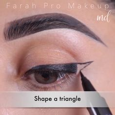 Eyeliner easy ideas for you to try at home! By: @farahpromakeup #HowToApplyEyeliner Double Eyeliner, Eyeliner For Hooded Eyes, Purple Eyeliner, Perfect Winged Eyeliner, Natural Eyeliner, How To Do Eyeliner, Winged Eyeliner Tutorial, Best Eyeliner, No Eyeliner Makeup