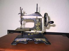 Elbeco No.2 The machine looks German to me and could possibly have been made by the F.W. Muller company of Berlin,