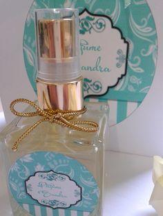 Perfume (Inspiração Fantasy), essência importada.    Perfume spray: 50 ml,  Personalizamos os tags com o nome.  Ideal para deixar no carro ou bolsa.    FRETE GRÁTIS DENTRO DA CIDADE DE SÃO PAULO..    Fazemos outras fragrâncias R$ 68,00