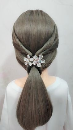 A Simple and Beautiful Low Horsetail Hair – Frisuren Shaved Side Hairstyles, Up Hairstyles, Braided Hairstyles, Braided Updo, Peinado Updo, Hair Upstyles, Long Hair Wedding Styles, Long Hair Video, Hair Game