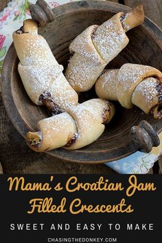 Croatian Recipes: Mama's Jam Filled Crescents (Kiflice) Hungarian Recipes, Russian Recipes, Russian Foods, Romanian Recipes, Romanian Desserts, Czech Recipes, Italian Desserts, Turkish Recipes, Baking Recipes