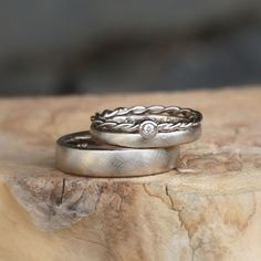 Handmade favorite rings wedding rings white gold 750 / - ring boho fashion for teens vintage wedding couple schmuck verlobung hochzeit ring Celtic Wedding Rings, Wedding Rings Simple, White Gold Wedding Rings, Wedding Rings Vintage, Diamond Wedding Bands, White Gold Rings, Unique Rings, Ring Ring, Wedding Rings Sets His And Hers