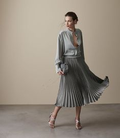 Women's Skirts - Designer Women's Skirts By Reiss Pleated Skirt Outfit, Skirt Suit, Skirt Outfits, Midi Skirt, Work Fashion, Trendy Fashion, High Fashion, Fashion Trends, Trendy Outfits