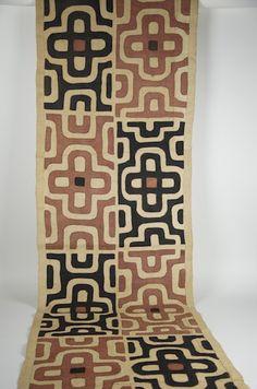 "Gallery-Quality Kente Cloth 25"" x 173"""