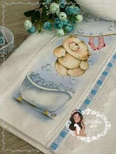 Arte Country, Baby Painting, Color Combos, Paper Art, Diy And Crafts, Colours, Bath Towels & Washcloths, Fabric Crafts, Human Eye