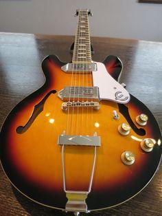 美しいギターです。
