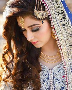 #Sara Bridal Photography, Photography Poses, Beautiful Dresses For Women, Wedding Girl, Girl Poses, Divas, Brides, Happiness, Wallpaper