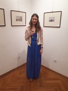 This dress is from the wedding we attended last weekend. I am wearing a Zara pettycoat and a deep blue (my favourite color😍) long dress. Since I am tall, I can pull it off, but I still had to wear high heels as to not step onto the end of my dress. #weddingattire #dressup #bluedress #girlystuff #longdresses #pearl