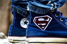 All-star superman those are beast. Converse All Star, Converse Shoes, Converse Chuck, Converse Photography, All Star Superman, Superman Shoes, Batman, High Top Sneakers, Sneakers Nike
