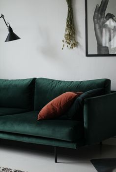Sofa Chair, Couch, Cozy Living Rooms, Decoration, My Dream Home, Living Room Designs, Home Improvement, Furniture Design, House Styles