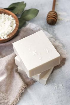 With a hydrating combination of ingredients to heal dry, irritated and sensitive skin, this DIY goat milk soap is just what you need this winter. Organic Bar Soap, Organic Oils, Diy Savon, Homemade Soap Recipes, Goat Milk Soap, Lotion Bars, Homemade Beauty Products, Home Made Soap, Soap Making