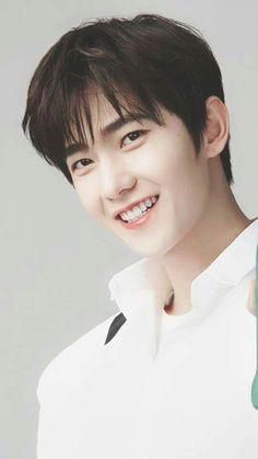 Smile like a kid🙂 Cute Actors, Handsome Actors, Handsome Boys, Yang Chinese, Chinese Boy, Chinese Candy, Asian Actors, Korean Actors, Jackson Wang