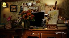 Aria's desk-space, Pretty Little Liars