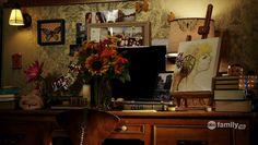 Aria's desk-space, Pretty Little Liars