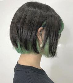 Hidden Hair Color, Cool Hair Color, Ash Green Hair Color, Short Green Hair, Black And Green Hair, Short Hair, Hair Color Streaks, Hair Dye Colors, Hair Highlights