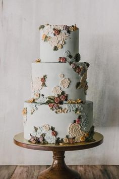 Floral Wedding Cakes flower printed wedding cake - We gathered together perfect wedding cake designers in order you can find the best cake for your reception. Get inspired with these amazing wedding cakes! Floral Wedding Cakes, Elegant Wedding Cakes, Wedding Cake Designs, Cake Wedding, Floral Cake, Elegant Cakes, Colourful Wedding Cake, Wedding Cake Vintage, Wedding Cake Flowers