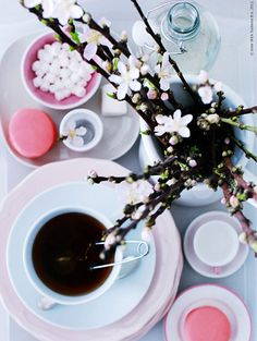 Pink table setting / Photo: IKEA