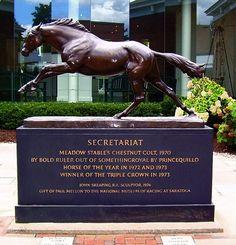 Secretariat statue at Belmont