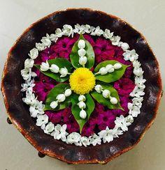 Rangoli Designs Flower, Rangoli Ideas, Rangoli Designs Diwali, Flower Rangoli, Beautiful Rangoli Designs, Flower Mandala, Diwali Rangoli, Flower Designs, Diy Diwali Decorations