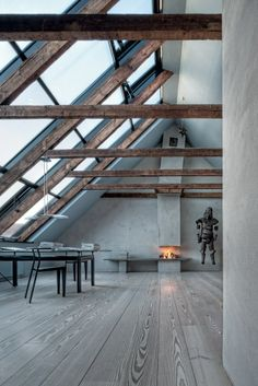 I like this superb skylight lighting Arch Interior, Interior Styling, Interior Architecture, Interior And Exterior, Interior Decorating, Interior Design, Le Ranch, Attic Apartment, Industrial House