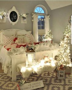 bedroom Cozy & Festive Christmas Bedroom Decorations To Keep Up All Holiday Season - Hike n Dip Indulge in the holiday spirit by decorating your bedroom. Choose from over 50 cozy & festive Christmas Bedroom decorations perfect for the holiday season. Romantic Bedroom Design, Romantic Bedrooms, Romantic Home Decor, Casas Shabby Chic, Cozy Bedroom, Master Bedroom, Bedroom Ideas, Bedroom Designs, White Bedroom