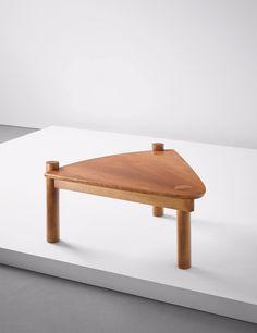 Table basse Tripod Ethnicraft. Heidi Earshaw est une designer ...