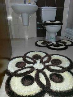 Lindo Free Crochet Doily Patterns, Crochet Ideas, Living Room Decor Colors, Pom Pom Rug, Rug Hooking Patterns, Bathroom Rug Sets, Decorative Towels, Crochet Home, Knitted Bags