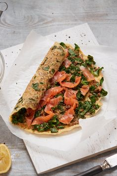 Salmon, Kale, and Quinoa Egg Wrap Recipe Healthy Wraps, Healthy Salad Recipes, Kale Recipes, Lunch Recipes, Wrap Recipes, Salmon Recipes, Fish Recipes, Egg White Breakfast, Breakfast Ideas