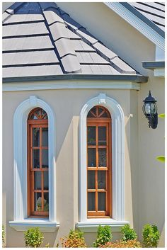 Double hung windows in our timber Natura range. Wideline windows and doors. www.wideline.com.au