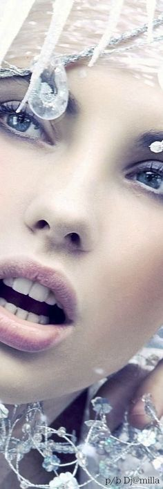 Snow Queen, Ice Queen, Snow Maiden, Love Makeup, Stunning Makeup, High Fashion Photography, Ice Princess, Snow And Ice, Winter Beauty