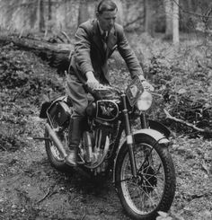 A Matchless 350cc g3L trial model in 1945
