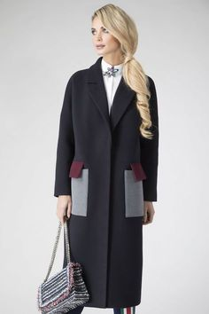 Coated in perfection Abaya Fashion, Couture Fashion, Fashion Dresses, Fashion 2018, Womens Fashion, Mode Kimono, Coats For Women, Clothes For Women, Fashion Details