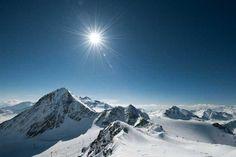 STUBAI GLACIER (HAPPY) Skiing Memes, Winter Holiday Destinations, Ski Packages, Top Ski, Best Skis, Ski Holidays, Landscape Pictures, Mountains, Travel