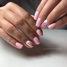 On average, the finger nails grow from 3 to millimeters per month. If it is difficult to change their growth rate, however, it is possible to cheat on their appearance and length through false nails. Cute Nails, Pretty Nails, My Nails, Foil Nails, Glitter Nails, Foil Nail Art, Perfect Nails, Gorgeous Nails, Gel Manicure