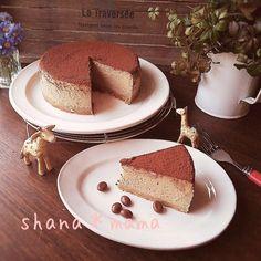 しっとり濃厚大人味♪カフェモカNYチーズケーキ♪ by しゃなママ / 旦那の好きなチーズケーキをこれまた大好きな珈琲味で♪♪♪仕上げにココアをふったらめちゃめちゃ美味しいカフェモカNYチーズケーキの出来上がり(