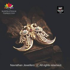 The Brand Known For Its Minblowing Heritage Jewellery The Brand Known For Its Minblowing Heritage Jewelery Gold Earrings Designs, Gold Jewellery Design, Necklace Designs, Mens Gold Jewelry, Gold Jewelry Simple, Fashion Necklace, Fashion Jewelry, Pandora, Pendant Jewelry