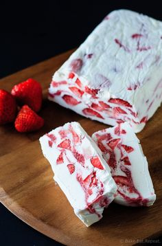 Strawberry Yogurt Terrine - A quick and easy no churn ice cream dessert that's perfect for Canada Day - strawberry yogurt terrine - icy, creamy, delicious. Cold Desserts, Ice Cream Desserts, Frozen Desserts, Summer Desserts, Frozen Treats, Delicious Desserts, Summer Treats, Cobbler, Japan Dessert