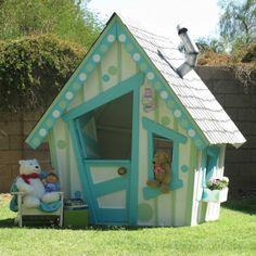 une maisonnette de jardin, déco asymétrique