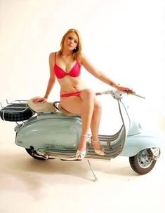 All things Lambretta & Vespa, well all things if they are pictures. (and perhaps the odd other thing that catches my eye from time to time including occasional adult content! Piaggio Scooter, Scooter Motorcycle, Scooter Scooter, Motor Scooters, Vespa Scooters, Vespa Models, Red Vespa, Italian Scooter, Mod Girl
