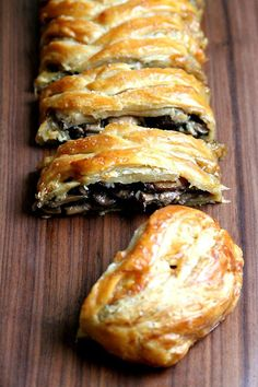 """Mushroom and Spinach & Mushroom and Spinach """"Strudel""""Pet Peeve: The fact that Pepperidge Farms Frozen Puff Pastry comes in a package of two, and yet, they aren't i Strudel Recipes, Puff Pastry Recipes, Mushroom Puff Pastry Recipe, Spinach Puff Pastry, Puff Pastry Appetizers, Puff Pastries, Mushroom Recipes, Dinner Party Recipes, Appetizer Recipes"""