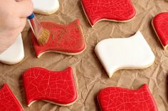 How to Distress Sugar Cookies for an Aged Look www.thebearfootbaker.com     American Flag Cookies   Patriotic Cookies   Military Cookies   USA Cookies   July 4th Cookies   Sugar Cookies   Decorated Sugar Cookies   Royal Icing   Cookie Decorating Tutorial The Bearfoot Baker