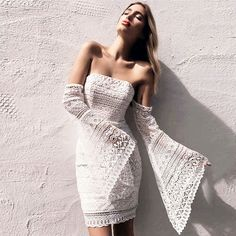 2017 New Women Sexy Solid Lace Flare Sleeve Slash Neck Mini Club Dress
