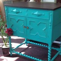 Patina Green and Java Gel Stain from General Finishes. work by Aileen of www. Java Gel Stains, General Finishes, Quality Furniture, Buffet, Unique Gifts, New Homes, Shabby, It Is Finished, Green