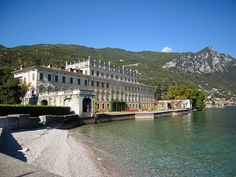 Villa Bettoni, lake front and private beach - Lake Garda, Italy