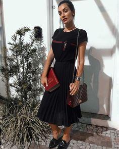 looks evangélicos Modest Fashion, Fashion Outfits, Womens Fashion, The Dress, Dress Skirt, Cute Dresses, Girls Dresses, Church Fashion, Church Outfits