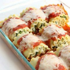 HEALTHY SPINACH LASAGNA ROLLS  Ingredients  9 lasagna noodles, cooked 1 (10 ounce) package frozen chopped spinach, thawed and completely drained 1 (15 ounce) container fat free ricotta cheese 1/2 cup grated Parmesan cheese 1 egg 1/2 teaspoon minced garlic 1/2 teaspoon dried Italian seasonings salt and fresh pepper (optional) 1 chicken breast, cooked and diced 32 oz tomato sauce (I used spaghetti sauce) 9 Tablespoons part skim mozzarella cheese, shredded Instructions  Preheat oven to 350°…